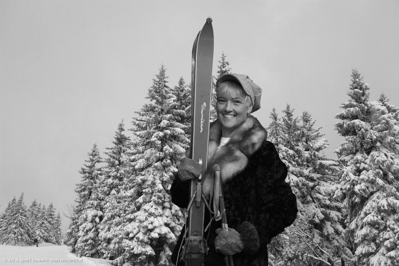 Unsere Chefin Jana Kowarik beim Tag der Offenen Tür anno dunnemals  (c) Ski und Sport Jana Kowarik Oberwiesenthal