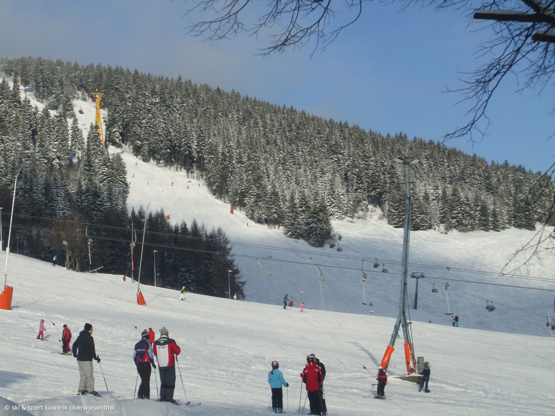 Blick auf die Skipiste in Oberwiesenthal Winter 2010/11 (c) Ski und Sport Jana Kowarik Oberwiesenthal