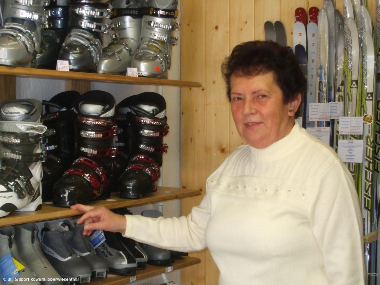 "Unsere ""gute Seele"" für alle Kundenprobleme - Gudrun Kowarik (c) Ski und Sport Jana Kowarik Oberwiesenthal"