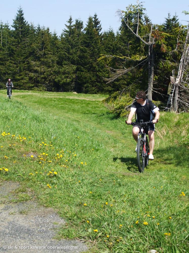 E-Bike - Tour  durch das Erzgebirge (Ski&Sport Kowarik) (c) Ski und Sport Jana Kowarik Oberwiesenthal