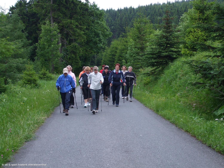 Darf´s ein bischen steiler sein ? Nordic Walking Lauftreff in Kurort Oberwiesenthal (c) Ski und Sport Jana Kowarik Oberwiesenthal